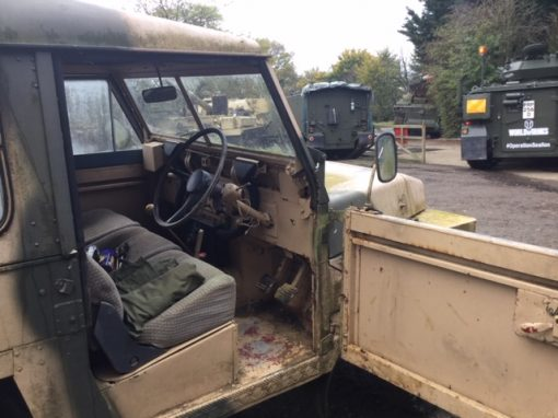Diesel Light Weight Land Rover (TUN 317T)